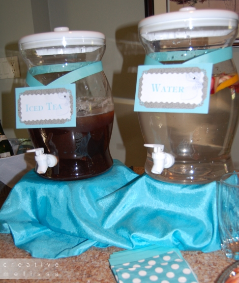 iced tea and water container drinks at bridal shower